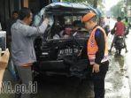 minibus-ditabrak-kereta-api-gajayana_20171211_113122.jpg