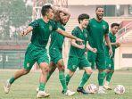 motivasi-pemain-persebaya-surabaya-di-tengah-kompetisi-liga-1-2020-belum-jelas.jpg