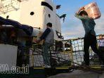 mudik-pelabuhan-tanjung-perak_20170623_213641.jpg