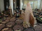 muslimah-syari-photoshot-handpainted-on-batik.jpg