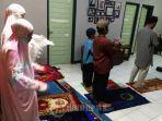 niat-dan-tata-cara-shalat-tarawih-sendiri-di-rumah-lengkap-doa-kamilin-selama-ramadhan-2020.jpg