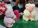 owner-creatinova-florist-eka-soelistiawati-menghias.jpg