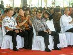 pakde-karwo-dan-presiden-jokowi_20171106_151449.jpg