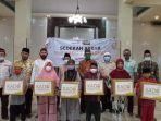 para-penerima-kado-ramadan-dari-para-donatur-melalui-lazismu.jpg