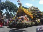 parade-bunga-surabaya_20180506_125328.jpg