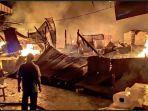 pasar-baru-tuban-jawa-timur-jatim-terbakar-hebat-selasa-332020-malam.jpg