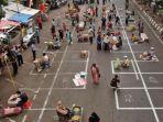 pasar-tradisional-pegirikan-beralih-ke-jalan.jpg