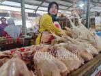 pedagang-ayam-di-pasar-legi-relokasi-kabupaten-ponorogo-kabupaten-ponorogo.jpg