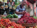 pedagang-bumbu-di-pasar-baru-tuban-kamis-2312020.jpg