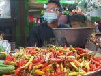 pedagang-cabai-rawit-di-pasar-genteng-kota-surabaya.jpg