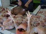 pedagang-daging-ayam-di-pasar-besar-kota-malang.jpg