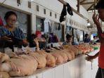 pedagang-daging-ayam-pasar-legi-kota-blitar.jpg