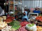 pedagang-di-pasar-basah-kabupaten-trenggalek.jpg