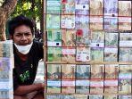 pedagang-uang-baru-di-kota-surabaya.jpg