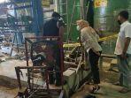 pekerja-pabrik-kertas-di-mojokerto-tercebur-ke-dalam-tandon-produksi-bubur-kertas.jpg