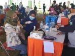 pelaksanaan-vaksinasi-di-kelurahan-tambaksari-surabaya.jpg