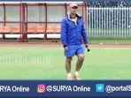 pelatih-madura-united-gomes-de-olivera_20161204_162715.jpg