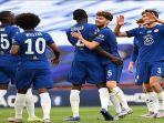 pemain-chelsea-saat-merayakan-gol-ketiga-melawan-manchester-united.jpg