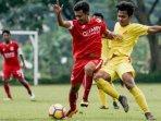 pemain-indonesia-muda-im-dalam-kompetisi-persebaya-sebelum-pandemi-covid-19.jpg