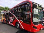 penampilan-suroboyo-bus-baru-tipe-mercedes-benz-o500u-1726-le.jpg