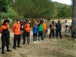 pencarian-tiga-korban-ombak-pantai-bengkung-desa-gajahrejo-kecamatan-gedangan-kabupaten-malang.jpg