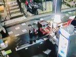 pencurian-di-kafe-bangkalan-1.jpg<pf>pencurian-di-kafe-bangkalan-2.jpg