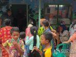 pengungsi-korban-banjir-di-desa-gondangmanis-jombang.jpg