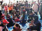 pengungsi-longsor-di-dusun-selopuro-desa-ngetos-kecamatan-ngetos-kabupaten-nganjuk.jpg