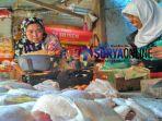 penjual-ayam-di-pasar-baru-tuban_20180505_133652.jpg