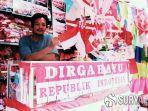 penjual-bendera-merah-putih-di-kampung-bendera-surabaya.jpg