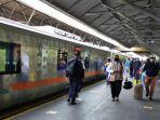 penumpang-ka-di-stasiun-gubeng-kota-surabaya-stasiun.jpg