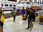 penumpang-kereta-api-1222021.jpg