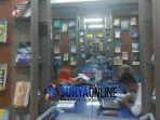perpustakaan-jatim-dikunjungi-ratusan-orang_20180625_220754.jpg