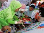 peserta-mengikuti-lomba-fashion-show-dan-melukis.jpg