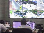 petugas-command-center-di-terminal-tanaman-kota-kediri-selasa-2362020.jpg