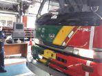 petugas-di-upt-uji-kendaraan-tandes-surabaya.jpg