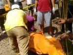 petugas-sedang-mengevakuasi-korban-yang-tersambar-kereta-api-di-sidoarjo.jpg
