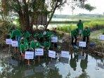pimpinan-pertamina-dppu-juanda-menanam-mangrove-di-bluru-kidul-jumat-2082021.jpg