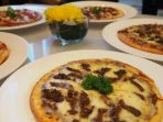 pizza-hotel-wyndham-surabaya_20180801_224515.jpg