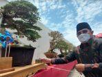 pj-bupati-sidoarjo-hudiyono-saat-melihat-pameran-bonsai-di-sun-city-biz-arteri-porong.jpg