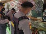 polisi-bersenjata-patroli-di-bank-dan-toko-emas.jpg