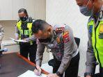 polisi-di-surabaya-tandatangani-pakta-integritas.jpg