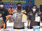 polisi-menunjukkan-tersangka-dan-barang-bukti-narkoba-di-polresta-sidoarjo.jpg