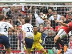 proses-gol-yang-diciptakan-pemain-manchester-united-alexis-sanchez_20180422_024103.jpg