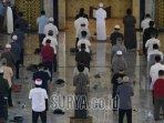 ratusan-umat-muslim-sholat-al-akbar.jpg