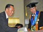 rektor-umm-ujian-doktoral_20180724_204453.jpg