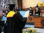 rektor-universitas-airlangga-prof-mohammad-nasih-mewisuda.jpg