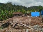 reruntuhan-bangunan-akibat-gempa-bumi-di-desa-jogomulyan-kecamatan-tirtoyudo-kabupaten-malang.jpg