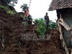rumah-warga-desa-penjor-kecamatan-pagerwojo.jpg