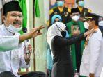 saifullah-yusuf-alias-gus-ipul-saat-dilantik-gubernur-jatim-khofifah-indar.jpg